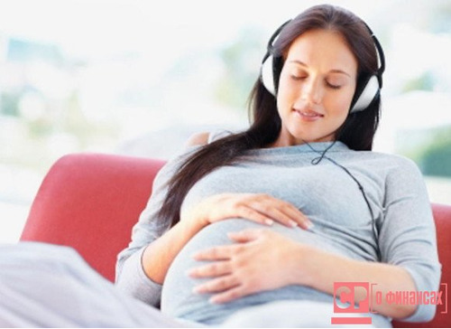 Стоит ли переживать из-за сокращения штата сотрудников беременной женщине